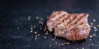 стейк говядины свежий зажженный Стоковые Фото