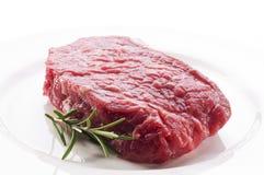 стейк говядины сырцовый Стоковые Изображения