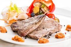 Стейк говядины с овощами Стоковая Фотография