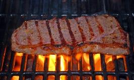 стейк зажженный пламенем Стоковое Изображение RF