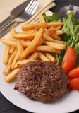 Стейк и fries Стоковые Фото