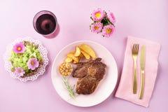 Стейк с салатом Стоковое фото RF