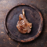 Стейк Ribeye с солью и перцем Стоковые Изображения RF