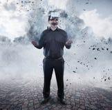 Стекла виртуальной реальности бизнесмена нося стоковое фото rf