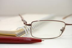 стекла глаза пишут лист Стоковая Фотография