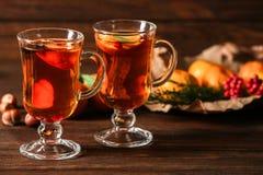 2 стекла горячего чая tangerine Стоковые Фото
