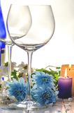 Стекла для вина и цветков Стоковые Фото