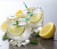 2 стекла лимонада стоковая фотография rf