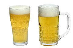 2 стекла пива изолированного на белизне Стоковое фото RF