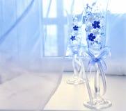 Стекла свадьбы на таблице Стоковое фото RF