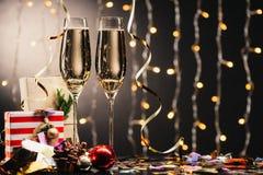 Стекла шампанского и настоящих моментов Стоковое Изображение RF