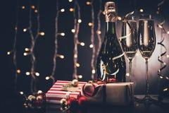 Стекла шампанского и настоящих моментов Стоковые Изображения