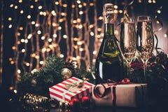 Стекла шампанского и настоящих моментов Стоковое фото RF