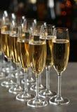 Стекла шампанского на таблице стоковое фото rf