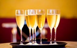 стекла шампанского полные стоковая фотография