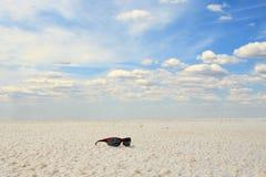 Стекла Sun на озере сол Baskunchak, России стоковые изображения
