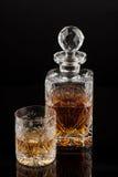Стекло & бутылка вискиа Стоковая Фотография