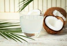 Стекло воды кокоса Стоковое фото RF