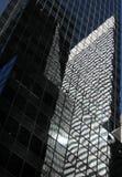 стекло дробит небоскребы на участки Стоковые Изображения RF
