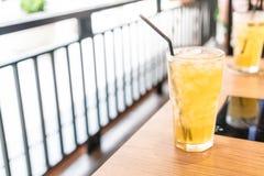 стекло заморозило чай Стоковые Фотографии RF