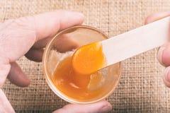 Стекло оранжевого студня сделанное из mucilage Psyllium Стоковые Фотографии RF