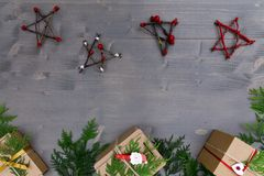 стекло состава рождества bauble голубое Подарок рождества, рождественская елка, ветви, Стоковое Фото