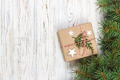 стекло состава рождества bauble голубое Положение квартиры взгляд сверху подарка рождества Стоковое Изображение