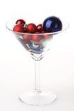 стекло martini рождества baubles стоковое фото rf