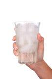 стеклянная женщина воды льда удерживания руки Стоковое Фото