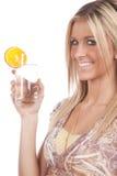стеклянная женщина воды удерживания стоковые изображения rf