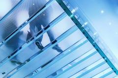стеклянная самомоднейшая лестница Стоковые Фотографии RF