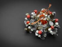 Стеклянная сфера с сердцем в гирлянде Стоковая Фотография