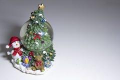 Стеклянное Sha с внутренностью снега, Новым Годом стоковые фотографии rf