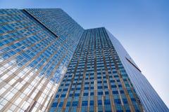 Стеклянный небоскреб стоковое изображение rf