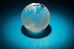 Стеклянный шарик глобуса на предпосылке Стоковые Фотографии RF