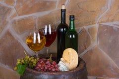 Стекла и бутылки вина Стоковая Фотография