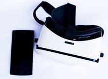 Стекла коробка и smartphone виртуальной реальности Стоковое Фото
