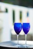 2 стекла красного вина на Тихоокеанском побережье Стоковые Изображения RF