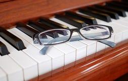 Стекла на рояле Стоковая Фотография