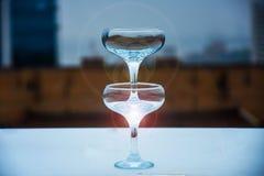 стекла обрамленные шампанским горизонтально сняли стоковое фото rf