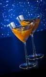 2 стекла свежего коктеиля с льдом на таблице бара Стоковые Изображения RF