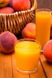 Стекла сока персика Стоковые Фотографии RF