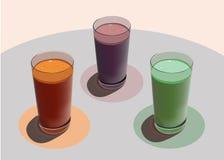 3 стекла с свеже сжиманными соками на белой таблице иллюстрация штока