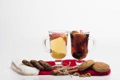 Стекла glintwein или обдумыванного горячего вина Стоковые Изображения RF