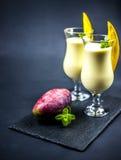 2 стекла lassi манго Стоковое Изображение