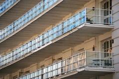 Стекло или защищенные пластмассой балконы Стоковое фото RF