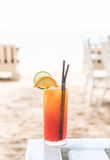 Стекло коктеиля плодоовощ в кафе Стоковые Фотографии RF