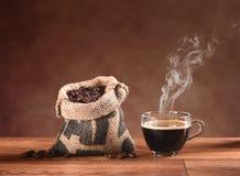 стекло кофейной чашки горячее Стоковые Изображения RF