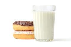 Стекло молока и donuts Стоковая Фотография RF