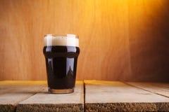 Стекло пива пинты стоковые фотографии rf